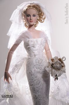 Collection Soie et Dentelle Modèle Blanc OOAK outfit Haute Couture by Creations COTHO, Photos by MadKenPhoto