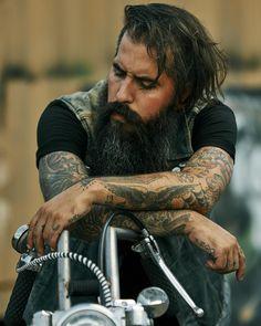 Over images of beautiful bearded men; Hair And Beard Styles, Long Hair Styles, Bike Photoshoot, My Life Style, Men's Style, Epic Beard, Long Beards, Awesome Beards, Beard Tattoo