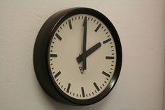 Czech industrial clock - Pragotron P27