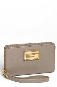 435ff59906089 MARC BY MARC JACOBS  Classic Q - Wingman  Phone Wallet
