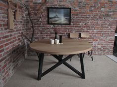 Round oak table and bar stools made by Romuritari.