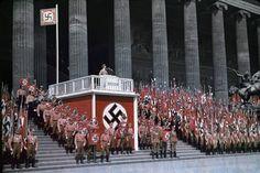 Fotos do arquivo da LIFE, de Hugo Jaeger, fotógrafo pessoal de Adolf Hitler.