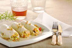 Canelones de marisco sobre coulis de setas, queso gorgonzola y Nueces de California. Un plato tradicional con el toque crujiente de las nueces, que combinado con el pescado es una excelente fuente de Omega 3.