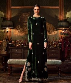 Sabyasachi lehengas feature breath-taking designs, traditional craftsmanship & an eye for extreme detailing. Check out this vast collection of Sabyasachi lehenga images. Pakistani Outfits, Indian Outfits, Ethnic Fashion, Asian Fashion, Dress Outfits, Fashion Dresses, Velvet Dress Designs, Hippy Chic, Velvet Fashion