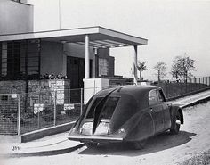 "the first aerodynamic czech car TATRA parked in front of Villa Glücklich by architect Josef Gočár – one of the houses of the settlement ""Baba"" that you can find in Jarní Prague 6 – Dejvice Harlem Renaissance, Villa, Prague, Bauhaus, Enjoy Car, Europe Centrale, Art Deco Car, Streamline Moderne, Cottage"