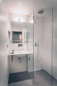 ↳ Noken en…el #Hotel Legend #Paris. Funcionalidad y elegancia francesa en el #diseñodebaños #baños #proyectos