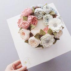 30주년 결혼기념일 플라워케이크 #flowercake #buttercream #wiltoncake #buttercreamcake…