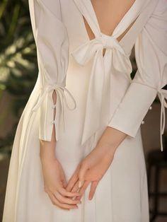 Fancy Wedding Dresses, Wedding Dress With Pockets, Bridal Dresses, Filipiniana Dress, Dress With Shawl, White Ball Gowns, Iconic Dresses, Bride Look, Women's Fashion Dresses
