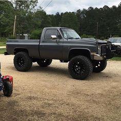 big trucks and girls Chevy K10, C10 Chevy Truck, Lifted Chevy Trucks, Jeep Pickup, Classic Chevy Trucks, Chevrolet Trucks, Diesel Trucks, Custom Trucks, Cool Trucks