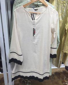 Pakistani Dresses Casual, Pakistani Dress Design, Casual Dresses, Fashion Dresses, Fancy Dress Design, Kurta Patterns, Salwar Suits Party Wear, Ladies Shirts, Neck Designs For Suits