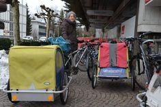 Velofahrer in Rapperswil-Jona wollen mehr und bessere Parkplätze für ihre Räder. Die Stadt hat dafür sogar einen Kredit zur Verfügung. Im Moment wartet man aber auf die Resultate des Mobilitätsforums. Baby Strollers, Moment, Children, Pram Sets, City, Baby Prams, Young Children, Boys, Kids