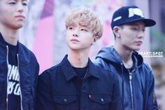 150930 Jinhwan @ MOONSHOT x iKON Fanmeet  © HEART SPOT | DO NOT edit.