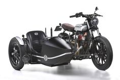 Yamaha XV 950 Yard Built -D-Side- 2015 - Fiche moto - Motoplanete Deus Ex Machina, Bike With Sidecar, Three Wheel Bicycle, Side Car, Bobber Custom, Cafe Racer Magazine, Moto Cafe, Racing Seats, New Motorcycles