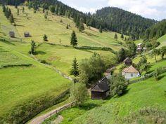 Erdély/Transylvania, Eastern-Carpathians Beautiful Scenery, Life Is Beautiful, Site History, Carpathian Mountains, Green Nature, Come And See, Eastern Europe, Rock Climbing, Bulgaria