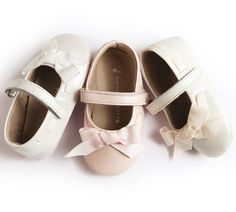 Луксозни детски обувки за прохождане, съобразени с естествените нужди на детските крачета. www.bubukabg.com Mary Janes, Little Girls, Baby Shoes, Sneakers, Kids, Clothes, Fashion, Tennis, Young Children