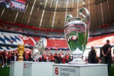 Fc Bayern Munich, World Football, Hurricane Glass, Fountain, Aprons, Apron Designs, Water Fountains, Apron, Bibs