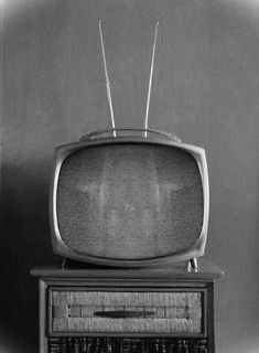 Old TV Sets! They were way funkier back then. Old TV Sets! They were way funkier back then. Tv Vintage, Fashion Vintage, Vintage Television, Television Set, Tvs, Smart Televisions, Radios, Tv Sets, Record Players