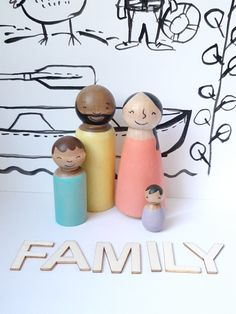 Peg Doll Family Modern Wooden peg people - Waldorf Toys for Kids - Diverse Families - Imaginative Play, Modern Multicultural people All Toys, Kids Toys, Child Doll, Baby Dolls, Modern Kids Decor, Doll With Hair, Green Toys, Natural Toys, Family Set