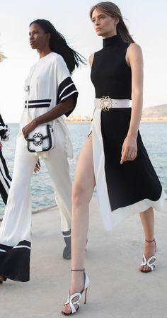 Elie Saab, Korean Girl Fashion, Womens Fashion, Fashion 2020, Fashion Trends, Whimsical Fashion, Knitwear Fashion, Event Dresses, How To Look Classy