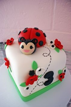 ladybug cake party-ideas