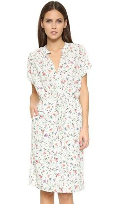 ¡Cómpralo ya!. Dra Dustine Dress - Fleur Print. A summery dRA dress with a colorful floral print. Drawstring waist. On seam pockets. Cap sleeves. Button front keyhole. Lined skirt. Fabric: Crepe. Shell: 97% polyester/3% spandex. Lining: 100% polyester. Wash cold. Made in the USA. Measurements Length: 41.25in / 105cm, from shoulder Measurements from size S. Available sizes: M,S , vestidoinformal, casual, informales, informal, day, kleidcasual, vestidoinformal, robeinformelle…