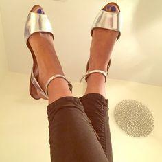 Selling this Zara sandals ❤️ in my Poshmark closet! My username is: nataliecherisse. #shopmycloset #poshmark #fashion #shopping #style #forsale #Zara #Shoes