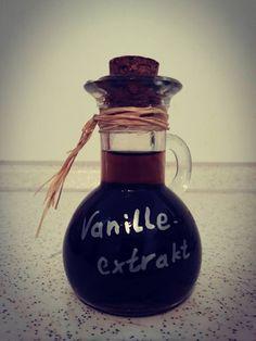 Wie du dein eigenes Vanille-Extrakt für die Weihnachtsbäckerei mit nur wenigen Mitteln und für fast umsonst herstellen kannst, erfährst du in meinem neuen Blog: