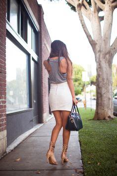 ஐ White Skirt + Grey Tank + Mini Gladiator Sandals