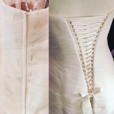 Eine Schnürung ins bestehende Kleid einpassen