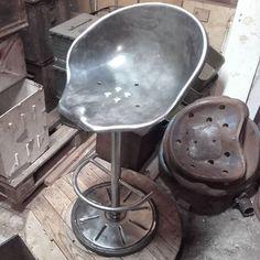 Na sprzedaż kolejne krzesło barowe na bazie siedzenia z Ursusa