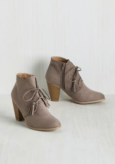 Beatnik-Knack Bootie. Youve got the skills to look effortlessly free-spirited in these mocha-colored booties! #grey #modcloth