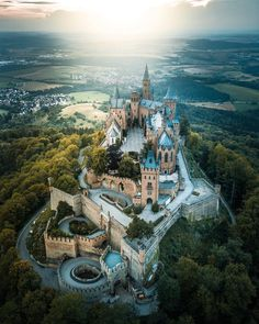 Hohenzollern castle, germany by on IG. Summer Nature Photography, Travel Photography, Photography Sky, Beautiful Castles, Beautiful Places, Chateau Moyen Age, Places To Travel, Places To Go, Germany Castles
