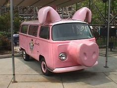 Pig VW Bus--had to include this just for being a pig! Volkswagen Bus, Vw T1 Camper, Campers, Funny Pigs, Cute Pigs, Honda Shadow, Weird Cars, Cool Cars, Strange Cars