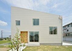 階段状リビングが家族団らんの場に(2/3) - 住むならデザイナーズ住宅 - NIKKEI 住宅サーチ