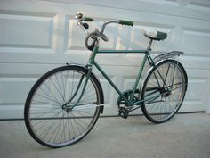 Vintage Schwinn Speedster Metallic Green Bicycle. Want one in campus green so bad