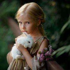 More tenderness. New from Ph White Rabbits, Flower Fairies, Pretty Dolls, Child Models, Children Photography, Baby Animals, Dog Breeds, Dog Cat, Flower Girl Dresses