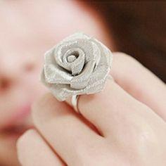 Fashion Retro Punk Woman Flowers Rose Adjustable Ring