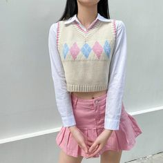 Vest Outfits, Girly Outfits, Pretty Outfits, Casual Outfits, Cute Outfits, Casual Clothes, Winter Outfits, Nike Sweater, Argyle Sweater Vest