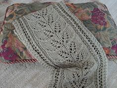 Brooke's Column of Leaves Knitted Scarf. Free pattern via Ravelry.