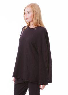 Kaschmirtunika von RUNDHOLZ bei nobananas mode #nobananas #rundholz #rundholzblacklabel #rundholzdip #cashmere #dark #brown #tunic #one #size nobananas.de/shop