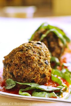 32. 4-Ingredient Eggplant Balls #recipes #healthy #vegetarian http://greatist.com/health/vegetarian-main-dishes-for-thanksgiving