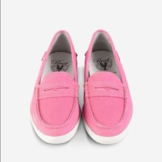 NEW COLE HAAN PINCH MARINE CLASSIC - salmon pink Never worn, brand new ADORABLE Cole HAAN Marine Classic boat shoes. Perfect for spring, summer or just when you want to lounge around. Cole Haan Shoes Flats & Loafers