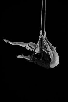 Duo eMotion //  Duo danse trapeze 2013 //  Morgane Tisserand et Pierre Antoine Chastang