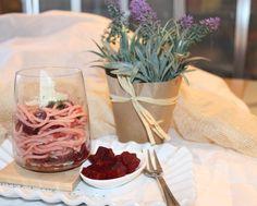 #smodatamente colorati #gustosamente saporiti gli #spaghettialiveris con #raparossa saranno un primo divertente e alternativo anche per il pranzo di #Pasqua  http://www.smodatamente.it/2015/04/02/ricetta-spaghetti-aliveris-rapa-rossa/