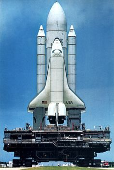 Spaceborn at last? After a two-year delay, the space shuttle is poised for launch this spring from Cape Canaveral. Photo: Jon Schneeberger/NatGeo. In: National Geographic, Vol. 159, No. 3, March 1981.