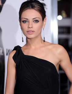 Mila Kunis is Natalie Portman Mila Kunis, Sophia Loren, Ukraine, Glamour, Actresses, Formal Dresses, Tops, Women, Fashion