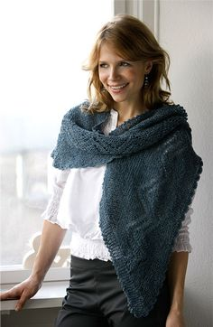 Knit yourself: Beautiful shawl with hollow pattern from Her World Claire Fraser, Lace Scarf, Cowl Scarf, Knitted Poncho, Knitted Shawls, Drops Kid Silk, Ravelry, Triangle Scarf, Ponchos