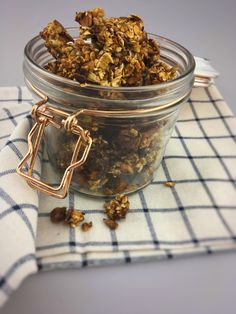Banana Granola. This homemade granola with banana is super easy to make and also a very healthy granola as well with no added sugar. You can find the recipe on organichappiness.nl or via the 'visit' button.