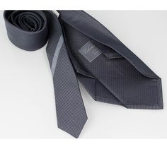 Esclusivo Italiano tie. 100% silk, entirely made by hand and 7 folded with customized tipping. discover more on www.esclusivoitaliano.com
