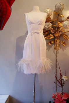 60s Cocktail Party Dress // 60s Wedding Dress // Vintage 1960s White Silk Crepe Cocktail Dress with Bow and Feather Hem by Mardi Gras Size S